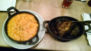 mac 'n cheese & brisket.